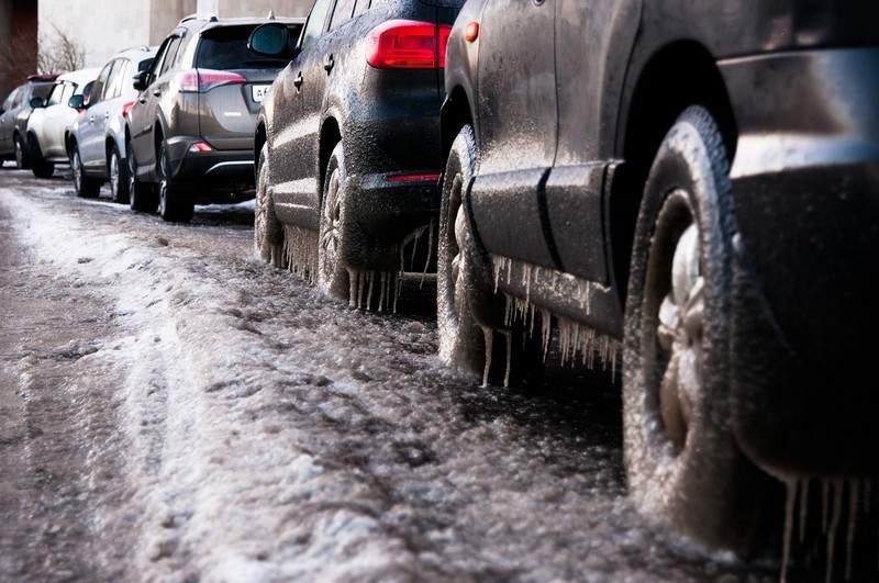 comment utiliser et recharger une voiture électrique en hiver