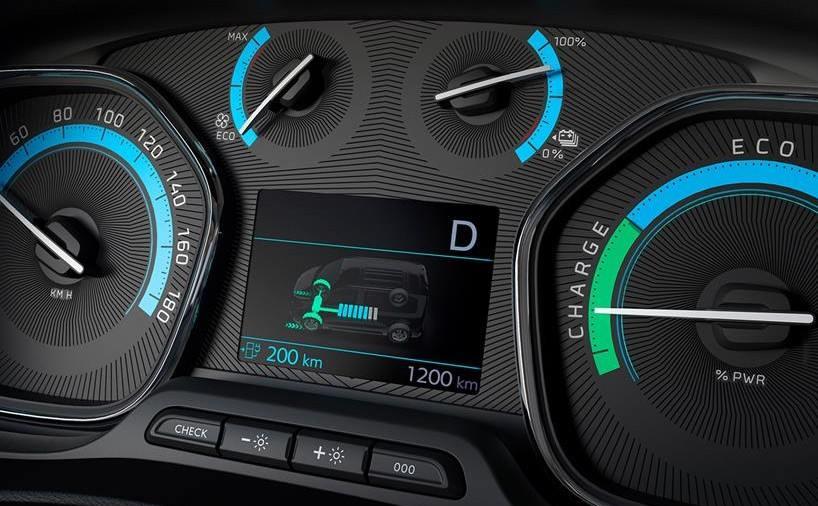 Peugeot-e-Traveller-2020-combiné-instruments