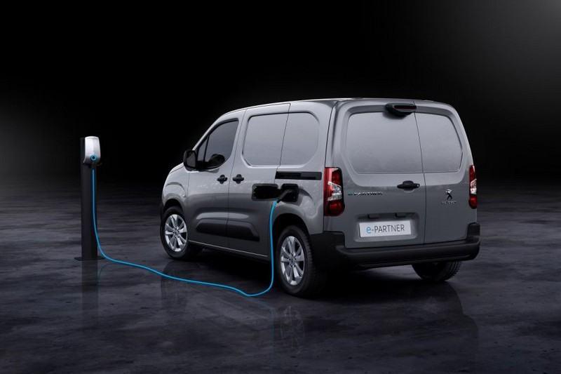 Peugeot e-Partner de dos